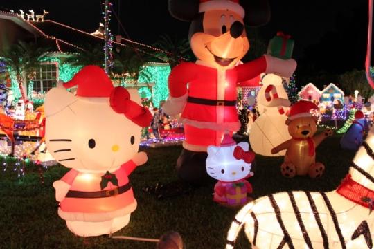 Double the Beautiful Christmas Hello Kittys 2013